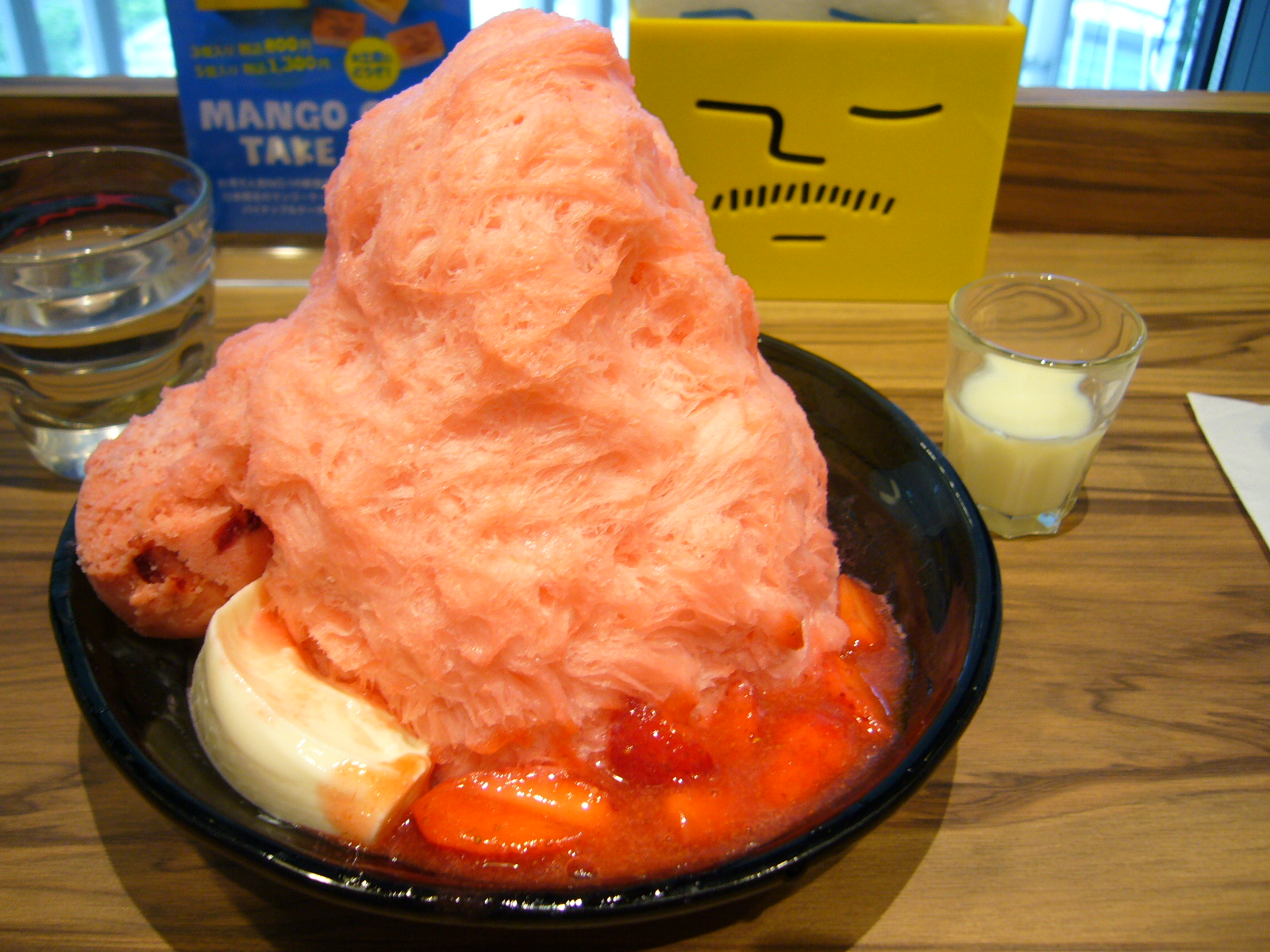 【金曜コラム】アイスモンスター 梅田グランフロント カキ氷 いちご 1400円(込)